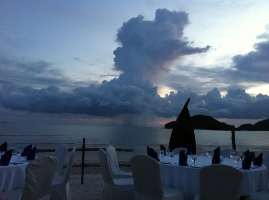 เมอริทัส เปอลังงี บีช รีสอร์ท แอนด์ สปา ลังกาวี: beach bar / restaurant