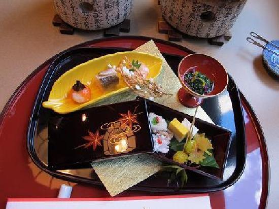 โฮเต็ลแอซโซเซีย ทาคายาม่า รีสอร์ท: 飛騨路会席  前菜