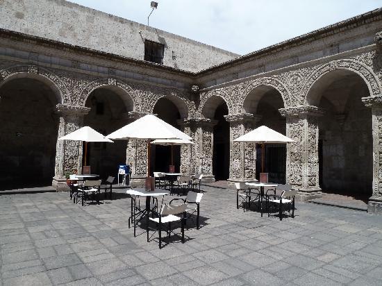 Cafe Bar Señor Misti: getlstd_property_photo