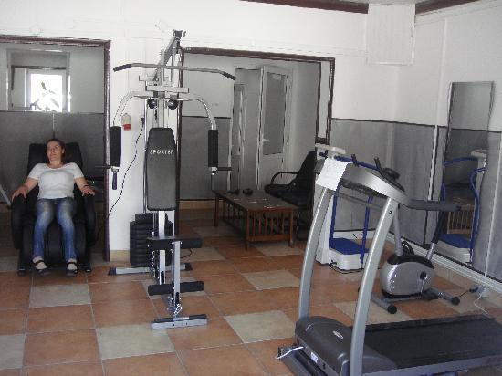 Total Ceahlau Pensiunea: sport center!!
