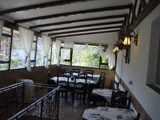 Total Ceahlau Pensiunea: the 2 restaurant