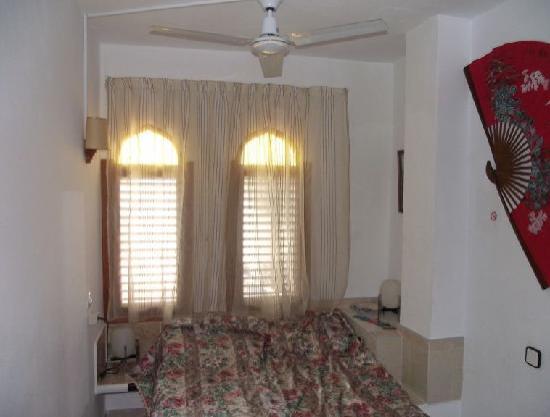 Granada Apartments: Bedroom