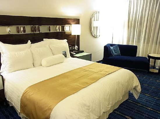 โรงแรมฮ่องกง สกายซิตี้ แมริออท: マリオット香港 スカイシティホテル①