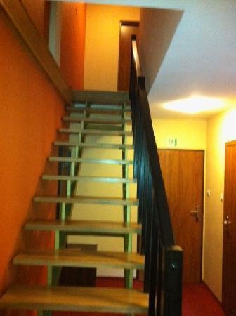 Hotel Debina: Steps