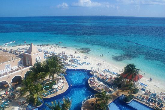 Hotel Riu Cancun: A Piece of Our View
