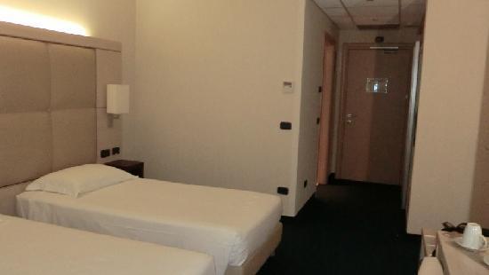 โรงแรมคอคคารอยัลไทยสปา: Standard twin room
