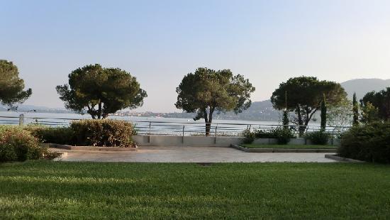 โรงแรมคอคคารอยัลไทยสปา: View from Balcony