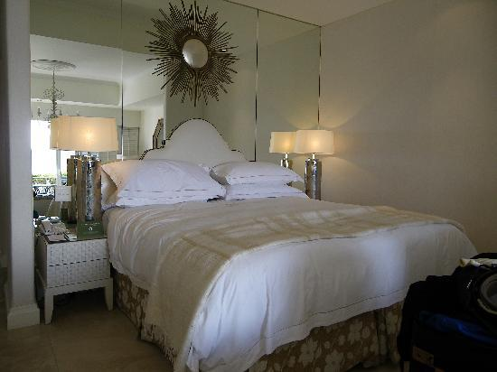 The Twelve Apostles Hotel and Spa : Bedroom