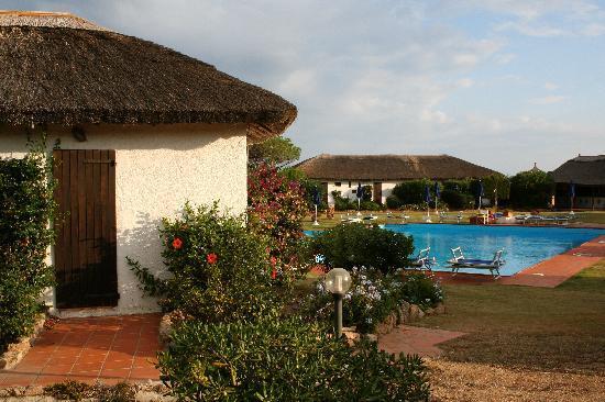 Club Village Forte Cappellini: La nostra camera sulla sinistra