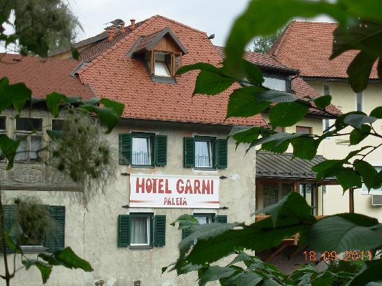 Hotel Garni Paleta: View to hotel