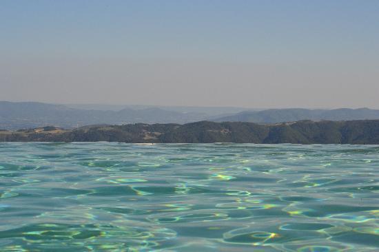 Le Hameau de la Mûre : dans l'eau