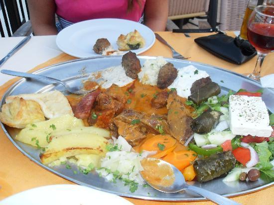 Katerina Palace Hotel: greek platter!