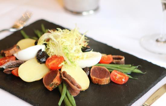 เอ็คเคิลส์ตั้น สแควร์ โฮเต็ล: Authentic French Cuisine