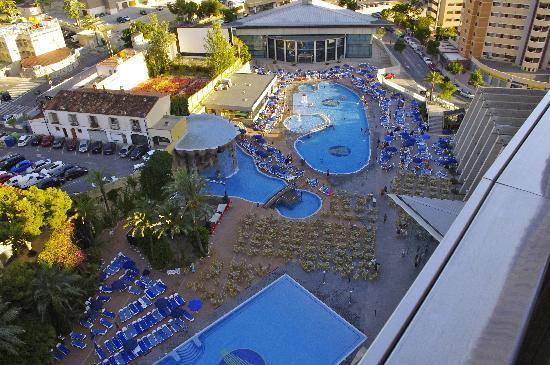 Gran Hotel Bali - Grupo Bali: Poolside area