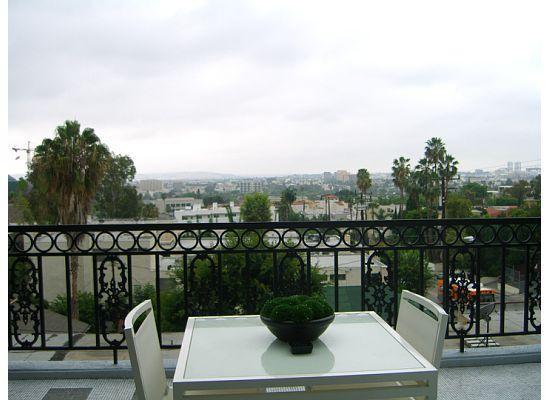 โรงแรม เดอะ ลอนดอน เวสต์ ฮอลลีวูด: Balcony