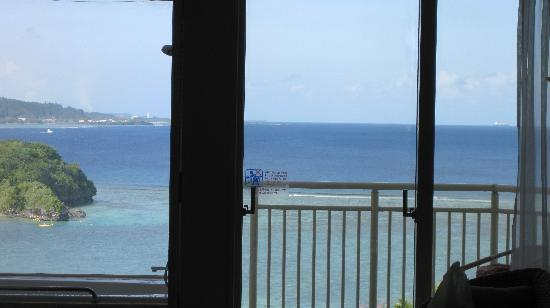 Onward Beach Resort: お風呂からの眺めです