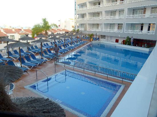 Blue Sea Lagos de Cesar: Pool Area