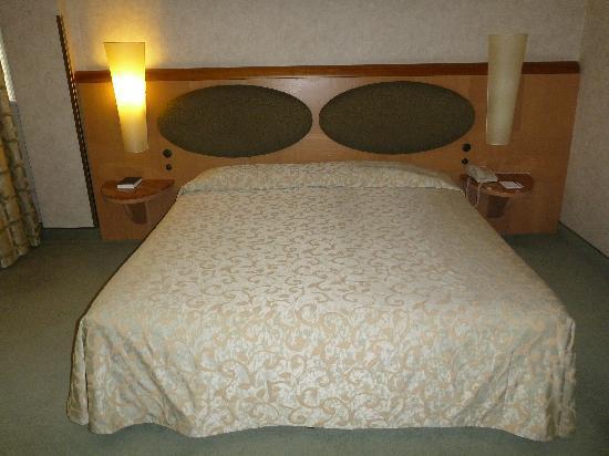 เมอร์เคียว โรมเวสท์: Bedroom