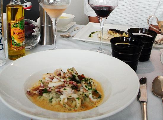 Le Bistro Gourmand: The superb sea food risotto (lunch menu)