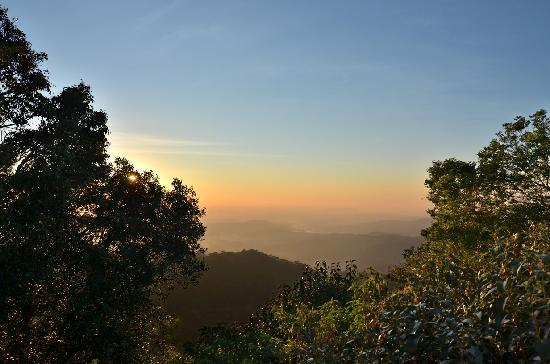 At Remingtons Lodge & Private Cottages: Sunrise as seen from the Toorali cabin