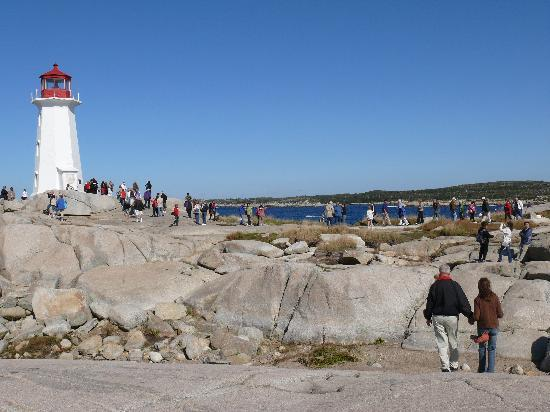 Peggy's Cove Lighthouse: Peggy's Cove Lightouse and people
