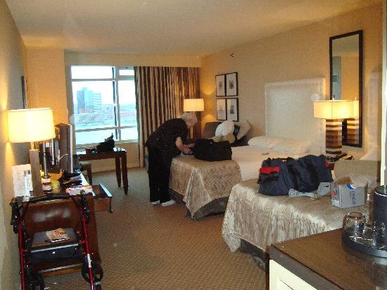 Caesars Windsor: The room
