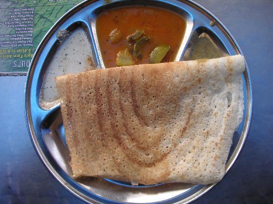 Sri Brinchang: Plain Dosa with assortment of Chutneys