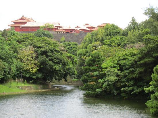 Shurijo Castle: 龍譚池と首里城