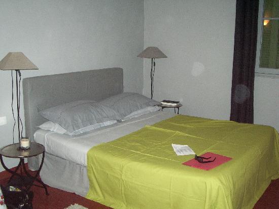 "Les Cypres: ""Glycines"" bedroom"