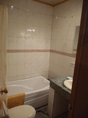Jianzang Hotel : bathroom
