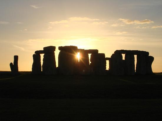 Premium Tours - London Tours: Stonehenge at sunset