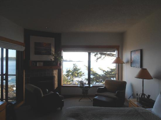 Wickaninnish Inn and The Pointe Restaurant: deluxe room on third floor