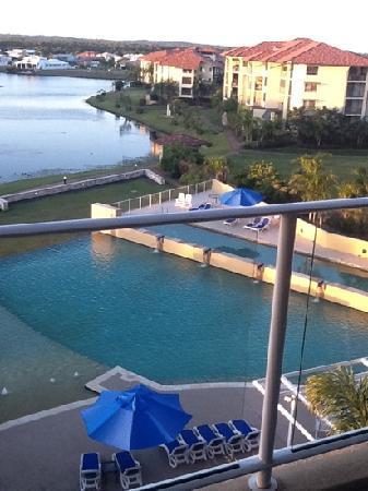 The Sebel Pelican Waters Golf Resort & Spa: large pool & heated lap pool