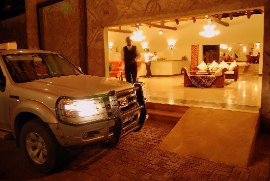Chrismar Hotel: main entrance