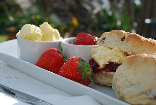 Whipsiderry Hotel: Cream Tea at Whipsiderry