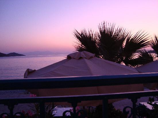 Hotel Eleni Beach: morning