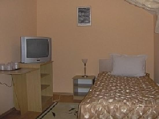 Pension Paris: single room