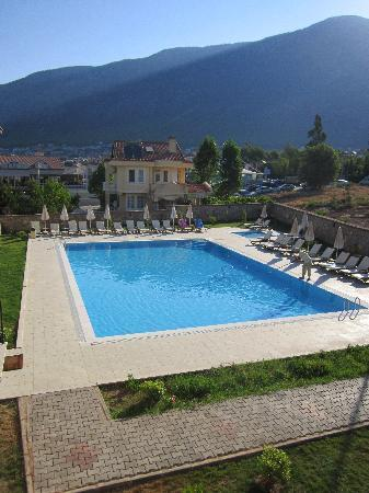 Orka Club Hotel & Villas: Our view of the pool at the annex apartments