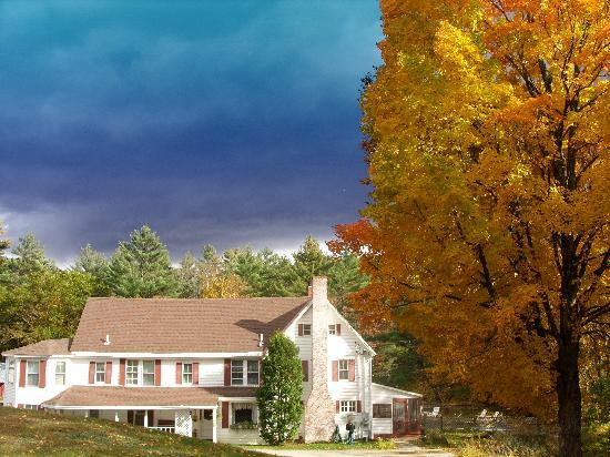 Cranmore Mountain Lodge Bed and Breakfast: Welcome to Cranmore Mt Lodge