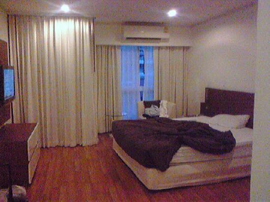 สาทร เกรซ เซอร์วิส เรสซิเดนซ์: ベッドルーム。
