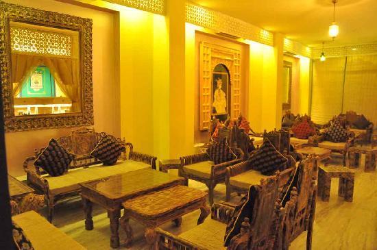 Hotel Ram Vilas: Coffee Shop