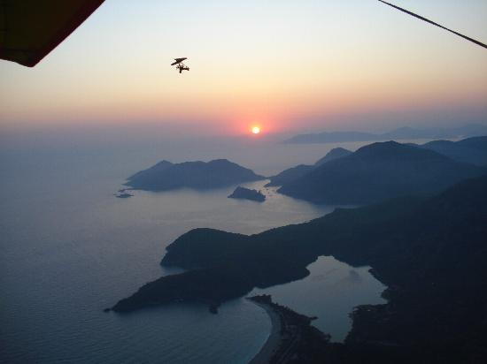 Hisaronu, Tyrkia: sun set micro light flight oludeniz