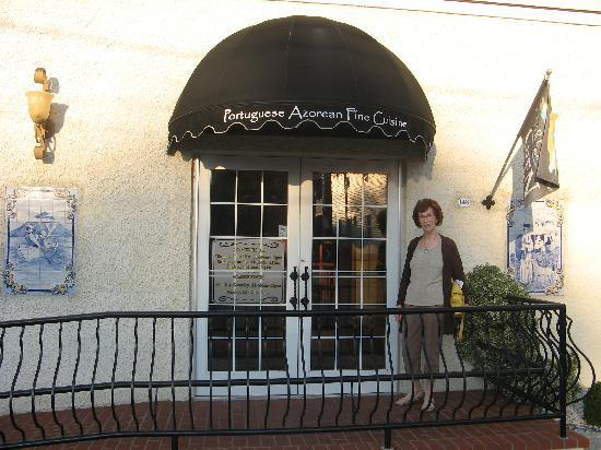 Azorean Restaurant and Bar: Entrance