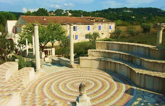 Le Mas de la Fontanelle: La demeure, une ancienne bergerie renovée avec charme