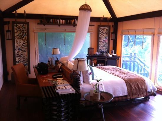 โรงแรมโฟร์ซีซั่นส์ เท้นต์ แคมป์ สามเหลี่ยมทองคำ: bed