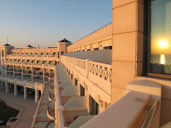Hotel Las Arenas Balneario Resort: balcons de l'hôtel