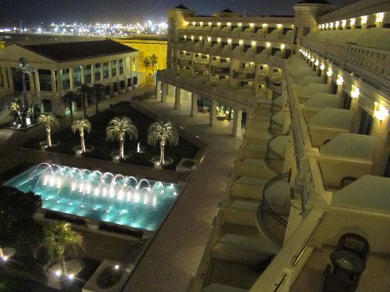 Hotel Las Arenas Balneario Resort: vue extérieure le soir...