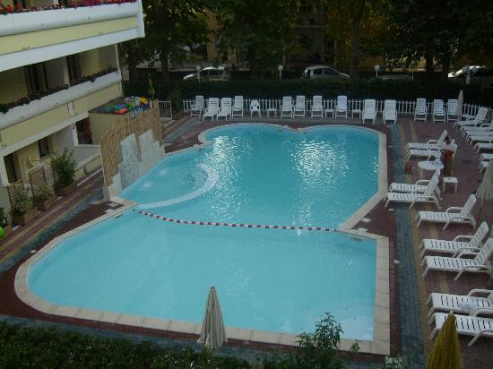 Club Family Hotel Executive: piscina