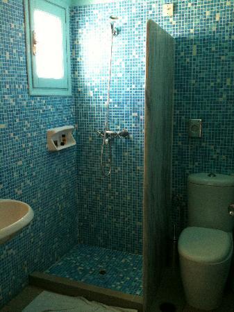 โรงแรมปอร์โต มิโคนอส: basic bathroom