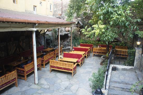 Stone Hotel: il giardino